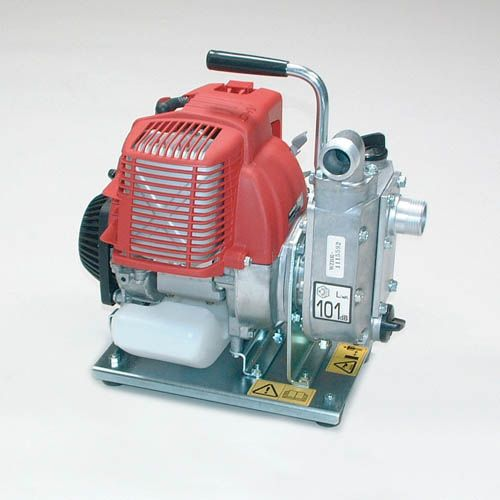 Water pump with combustion engine